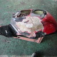 レーサー カウル修理のサムネイル