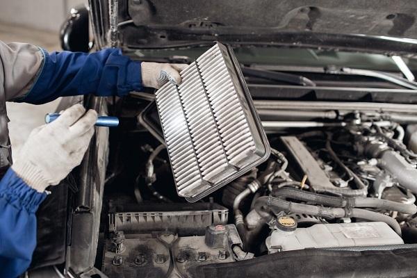 車のチューニングとカスタマイズの違いについて解説